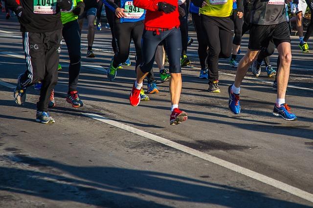東京五輪のマラソン競技、札幌で開催へ 都知事「合意なき決定」