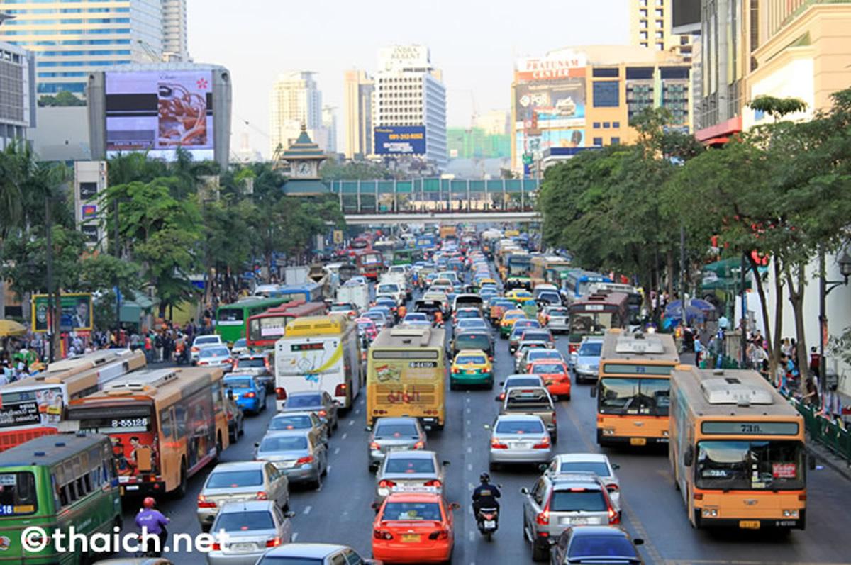 タイ:年末年始の交通事故防止キャンペーン開始!守るべき10の事は・・・