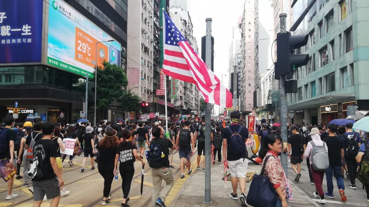 香港:逃亡犯条例問題の逮捕者7019人