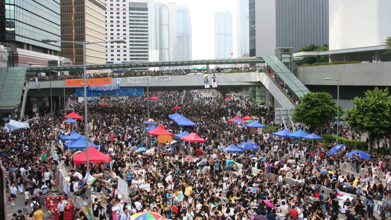 香港:香港マカオ弁公室の主任が解任