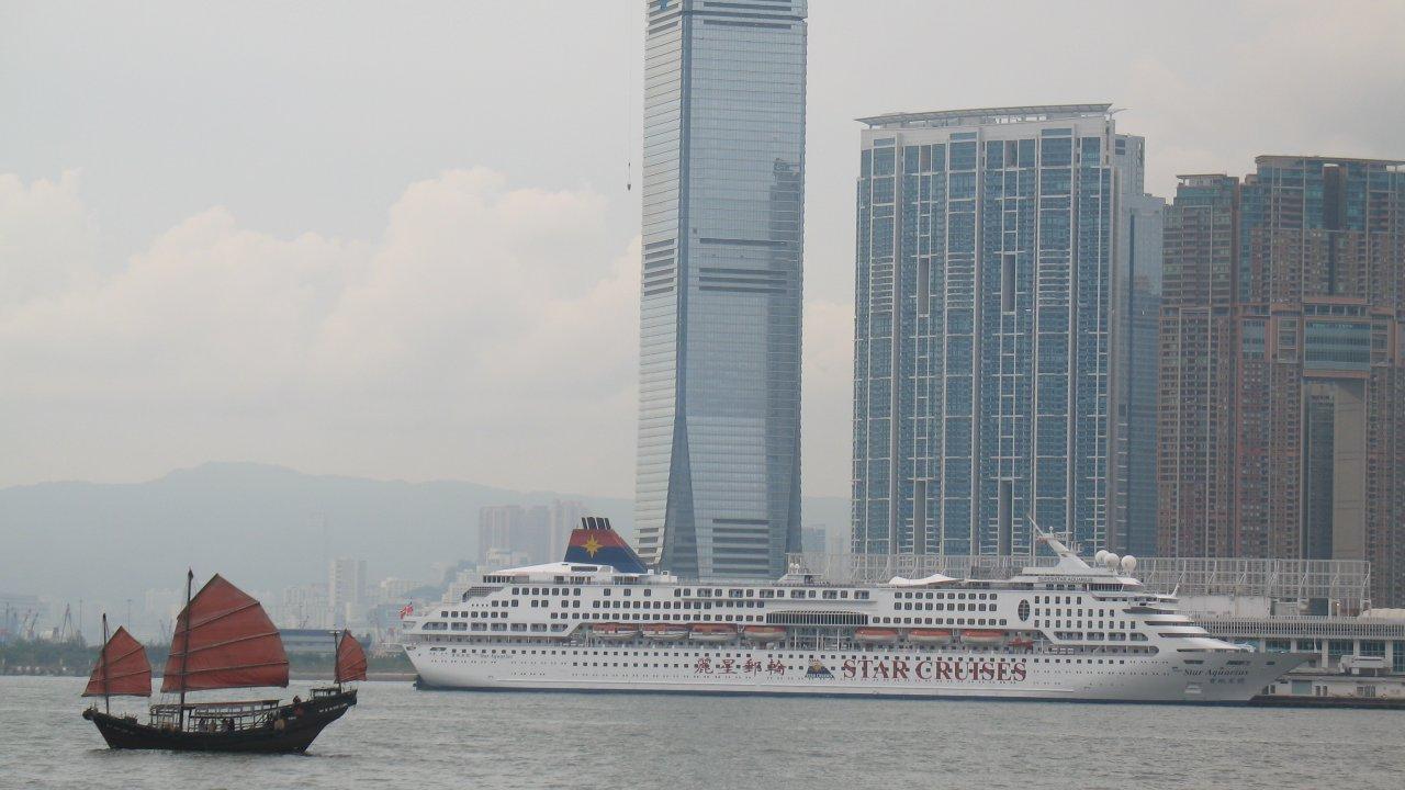 香港:クルーズ船で香港市民53人が感染