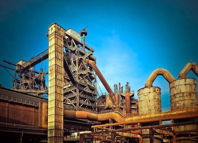 インドネシア:工業団地から総合都市へ マンション2棟を上棟 バサンタ・イノパーク