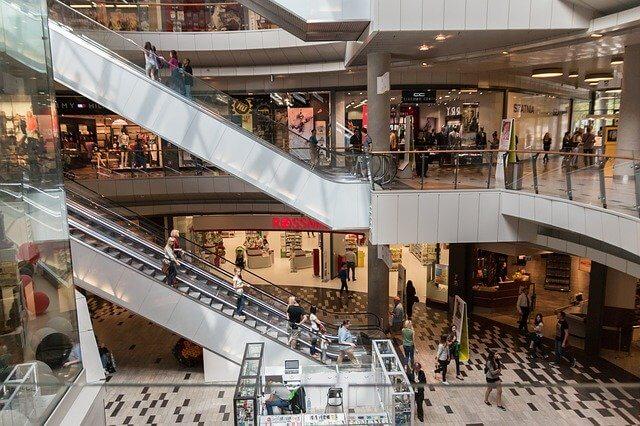 日本:1月の全国百貨店売上高は4カ月連続マイナス、インバウンドは春節で20%増も下旬以降は厳しい商況に