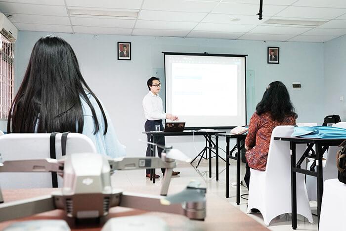 インドネシア:ドローンスクールを開講 大学と連携 大学と連携 JUIDA