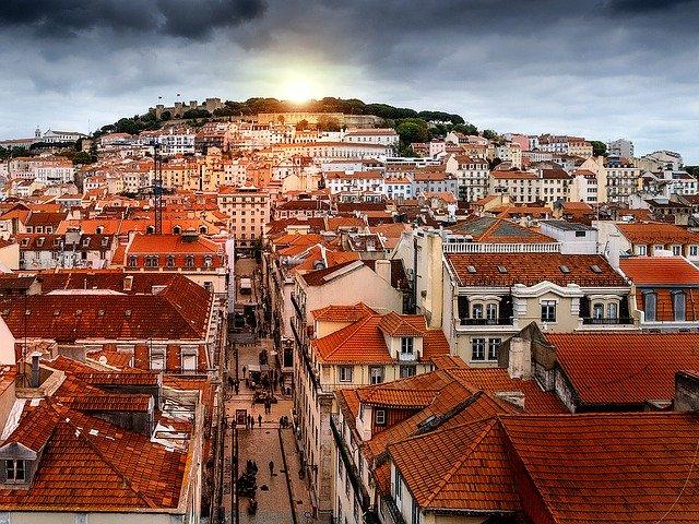 ポルトガル政府、経済再開は時期尚早との見解 封鎖で効果も