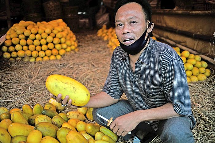 インドネシア:ラマダン風物詩が売り上げ減 ジャカルタ最大級の青果市場