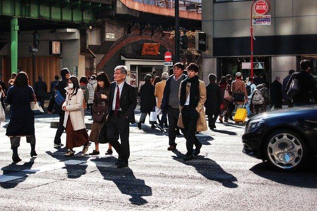 日本:午後10時までの営業短縮を要請、酒類提供する店舗に