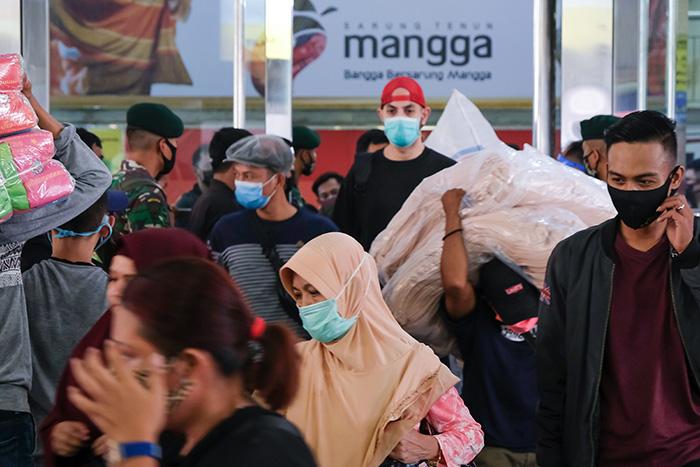 インドネシア:タナアバン市場再開 集団感染のおそれも PSBB緩和