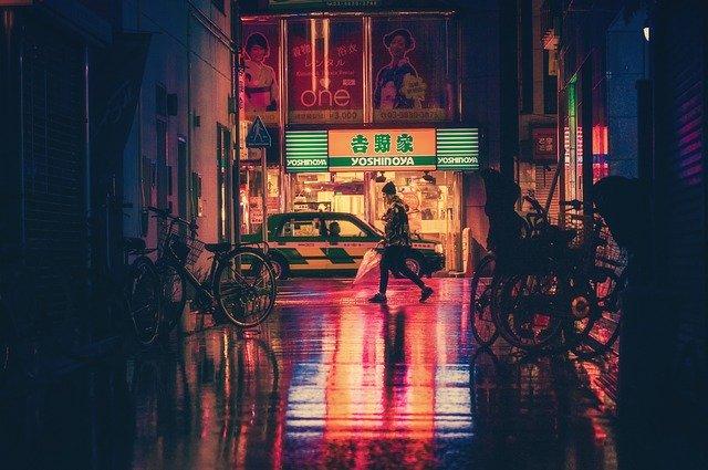 日本:繁華街に加え職場でも感染増、きょうはかなりの数に