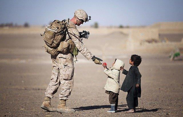 アメリカ:米兵の仕事は「米国の国益を守ること」 トランプ氏が米軍撤退計画を擁護