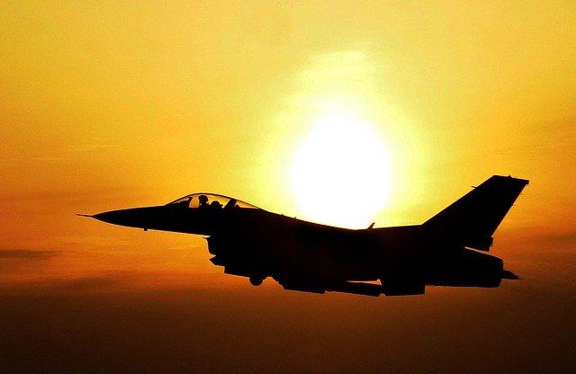 日本国産のステルス戦闘機 2031年めどに生産開始目指す