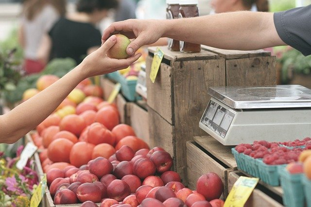 フィリピン:ナイトマーケット再開から2週間、テナント数を徐々に拡大