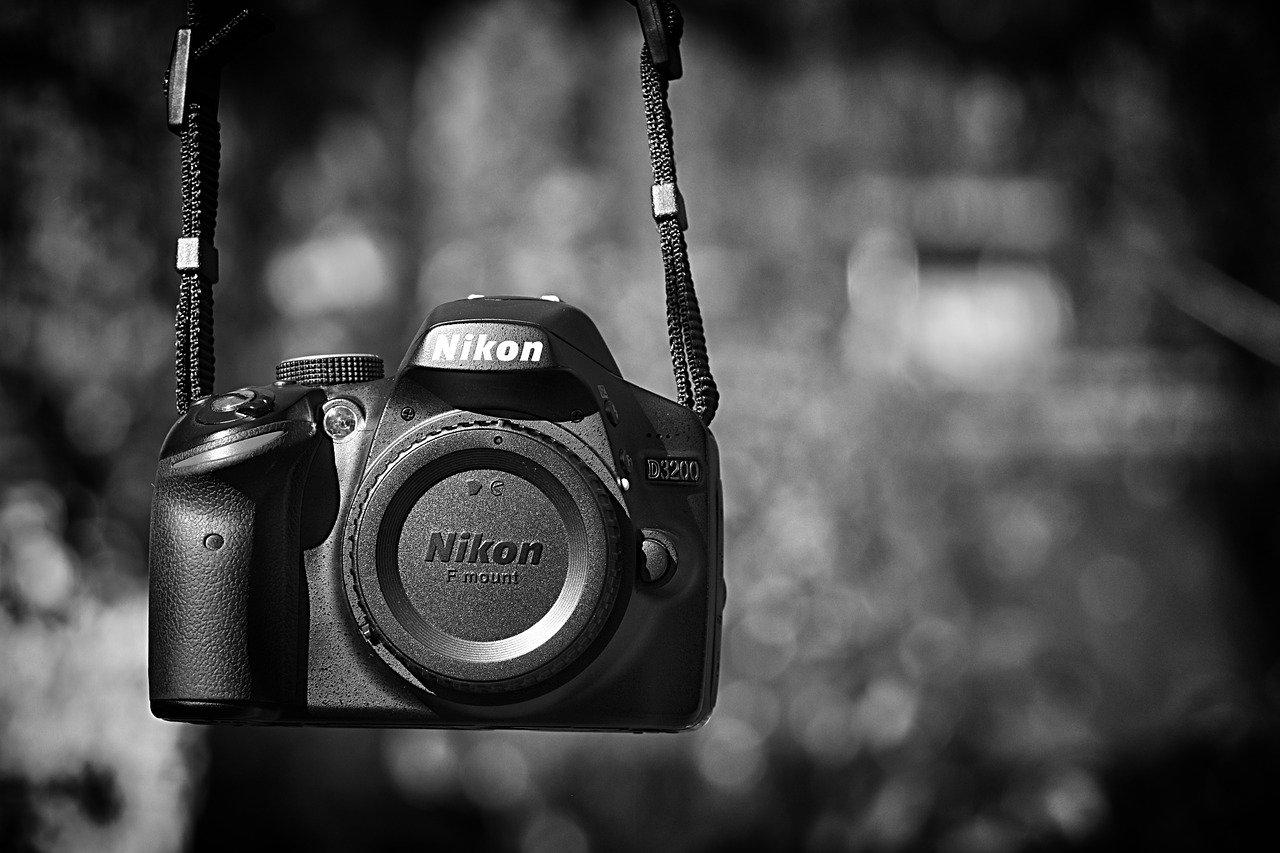 インドネシア:ニコン、カメラ事業撤退 産業機器は継続
