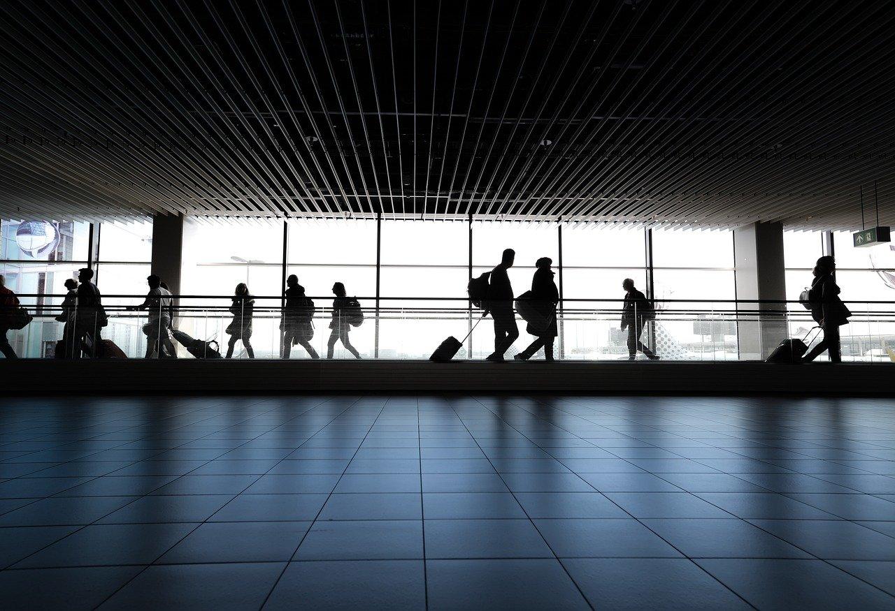 アメリカ:米、海外からの渡航者ほぼ全員にコロナ陰性証明義務付けへ