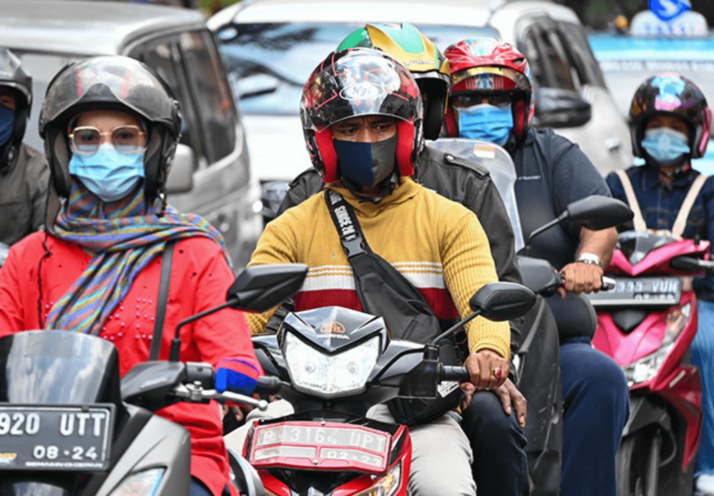 インドネシア:二極化が進む社会の〝足〟 商機ととらえる中国勢