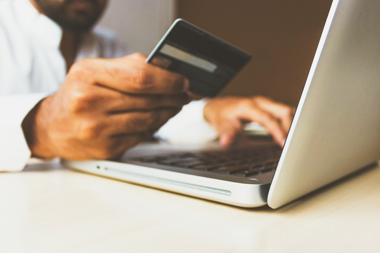ベトナム:電子財布、新型コロナ禍の中でオンラインお年玉サービスを提供