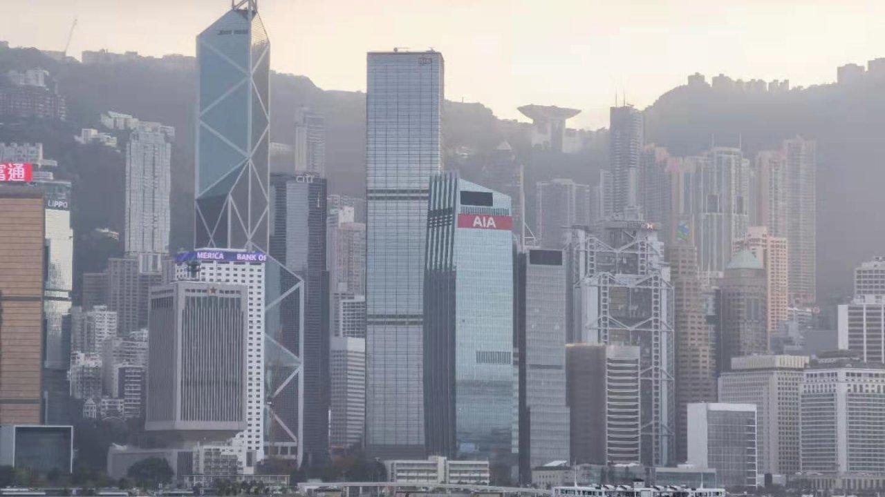 香港:李嘉誠氏が引き続き香港最高の富豪