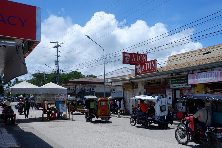 フィリピン:新型コロナ感染者数 100万人を超える