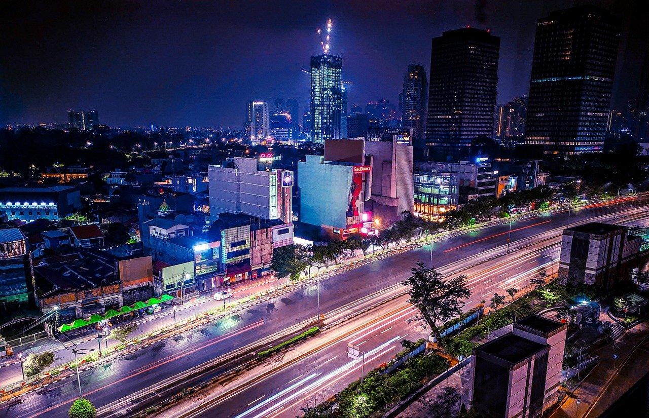 インドネシア:世界銀行 13億㌦を融資 コロナ対応・経済再建で