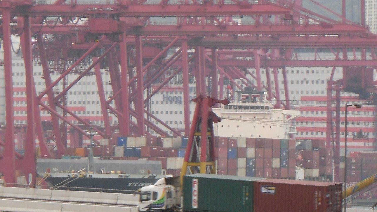 香港:コンテナ取扱量、6月は3.1%減