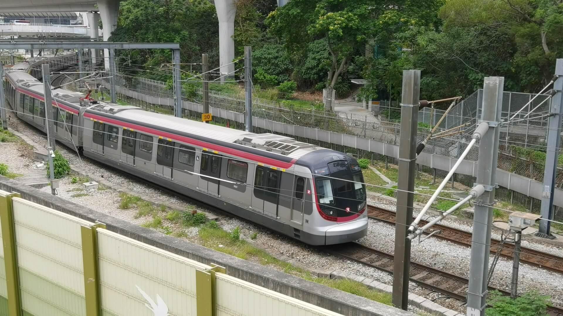 香港:MTR東部線の海越え区間、来年半ば開通